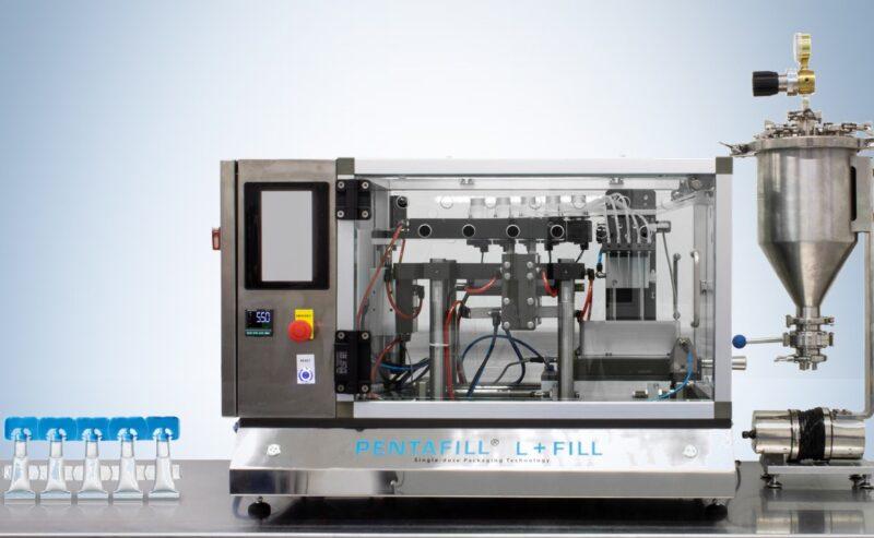 Tekni-Plex presenta la nuova Pentafill L+Fill, macchina da banco per il riempimento di monodose